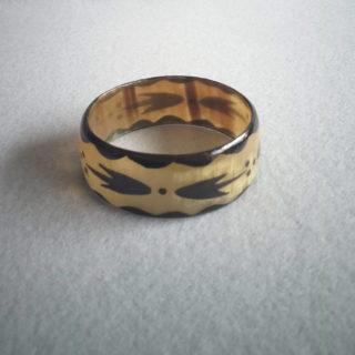Bracelet en corne translucide
