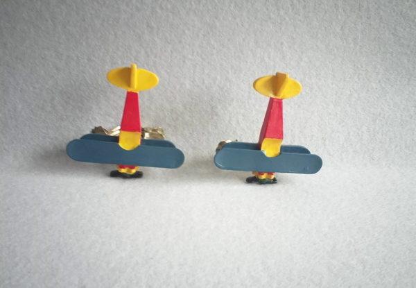 Pince à rideaux en bois en forme d'avion