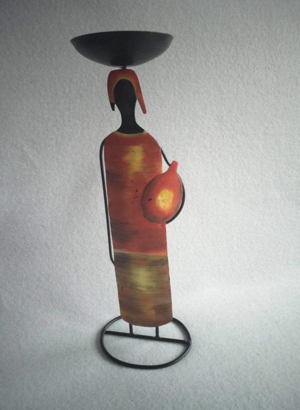Statuette africaine en métal surmontée d'une coupelle