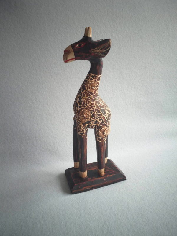 Statuette girafe africaine en bois