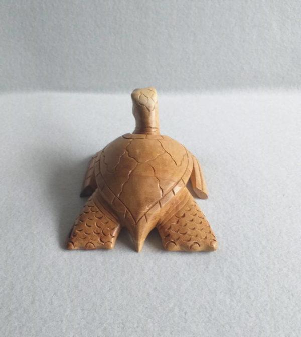 Tortue africaine en bois sculpté
