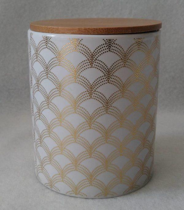 Pot doré en céramique avec couvercle en bois