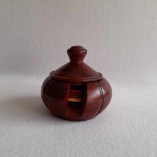 Pot à dessous de verre en bois