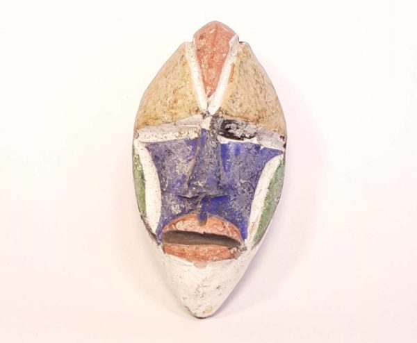 Masque passeport africain du Woleu-ntem au Gabon